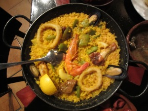 Then came the Paella Mixta (seafood and meat)
