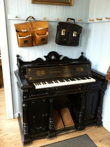Piano inside the schoolhouse, I really wanted to played it
