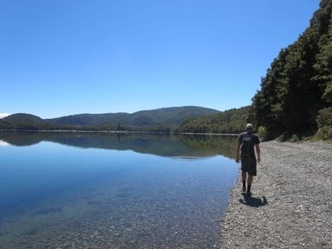 hiking along lake rotoiti